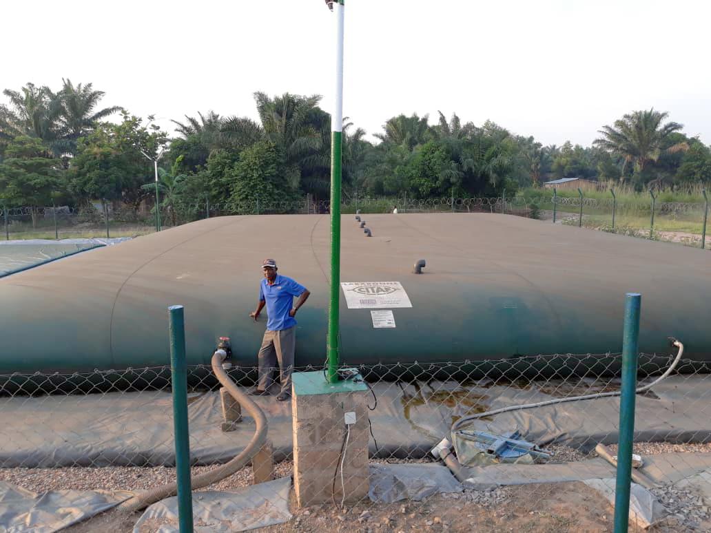 Citerne souple eau potable camp de réfugiés - CONGO