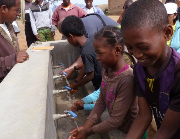 Lave mains dans une école – Sendrisoa – Madagascar